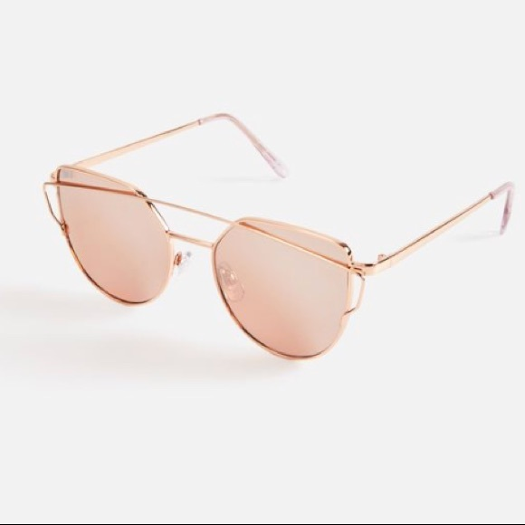27e485bc933 Summer Day Sunglasses. NWT. JustFab
